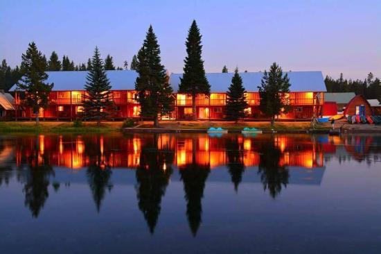 mack-s-inn-resort-riverfront.jpg