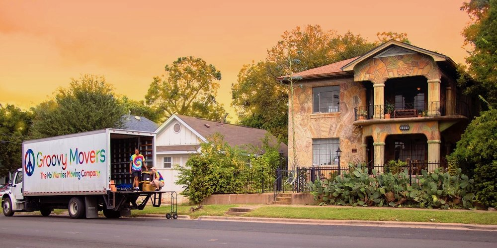 groovy_movers_sunset_moving_company_best_movers.jpg
