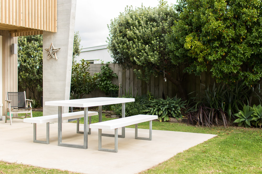 OutdoorTable - Outdoor table & chair arrangement.