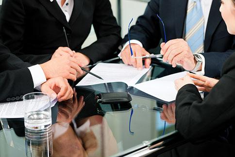 COMMISSARIAT AUX COMPTES - Audit légal, commissariat aux apports, à la fusion/scission, aux avantages particuliers, à la transformation, audit contractuel : la précision d'une équipe d'auditeurs pluridisciplinaires.