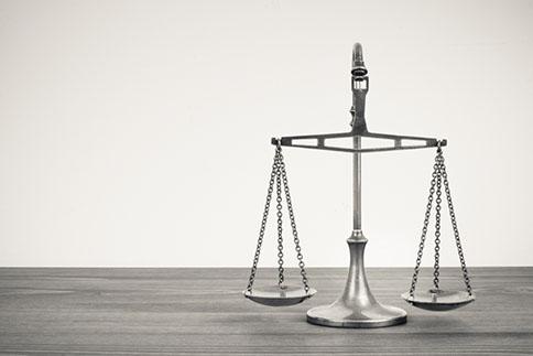 ACCOMPAGNEMENT JURIDIQUE - Accessoire naturel de la mission comptable : assistance à la création d'entreprise : rédaction des statuts constitutifs, pacte d'actionnaires, formalités d'enregistrement, tenue de votre secrétariat juridique, optimisation juridique et fiscale de la création d'Entreprise et lors de votre sortie (modalités de désengagement), restructuration de sociétés et de groupe de sociétés (augmentation ou réduction de capital, montage LBO, M&A...), assistance à la rédaction d'actes, baux commerciaux, cession de fonds de commerce ou de titres sociaux, apport, transmission…