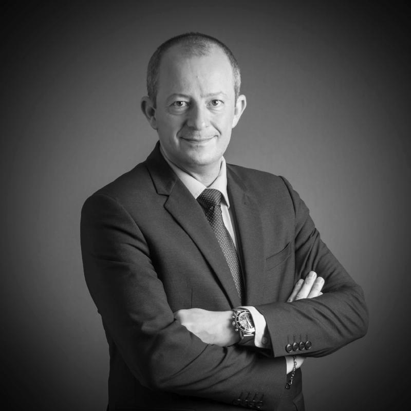 Jean-Marie VILAIN - Associé, spécialisé en Officine depuis 19 ans.