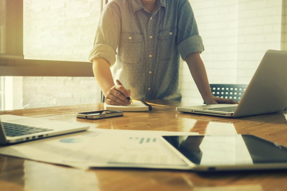 START-UP - Accompagnement de l'Entrepreneur dans les premiers moments décisifs et/ou du fonds d'investissement pour automatiser le reporting des cibles : optez pour un Expert réactif et connecté.