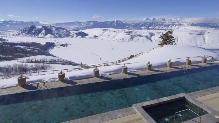 Amangani-Swimming-Pool-in-Winter-scr-750x422.jpg