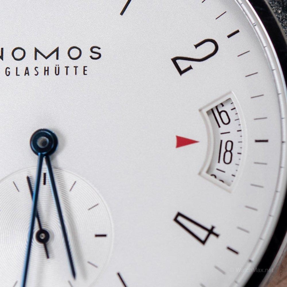 nomos-tangomat-gmt-75.JPG