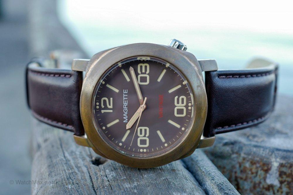 Magrette Vantage bronze watch