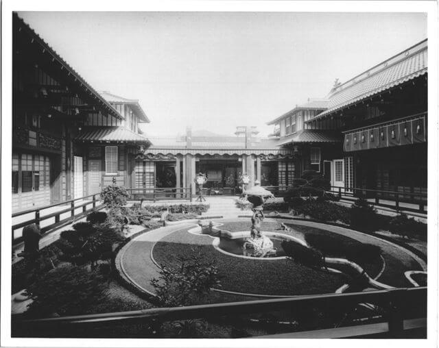 garden-court-1914-2.jpg