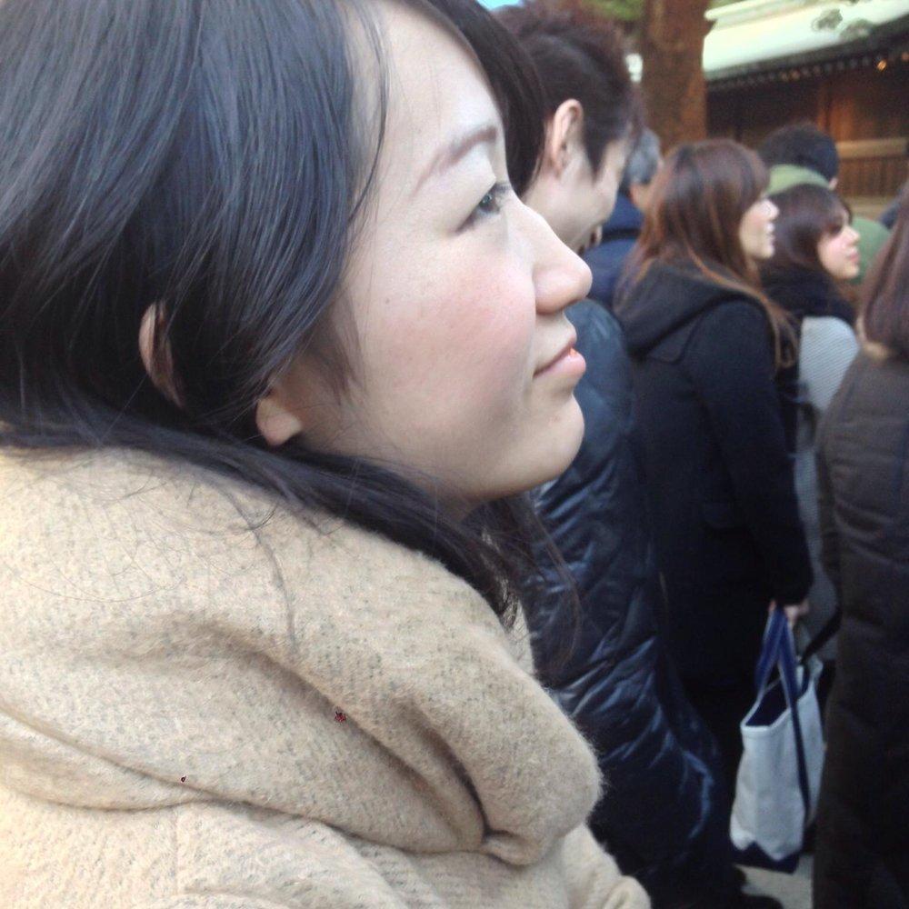 東京大学大学院卒。中央省庁でソーシャルビジネスの普及に関する政策を担当。