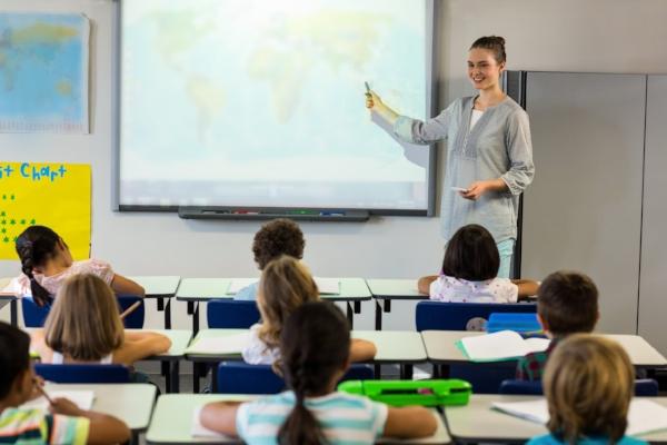 advanced-classroom-technologies_interactive-projectors.jpg