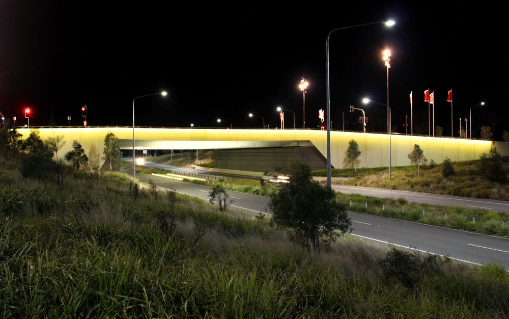 Kings Avenue overpass.jpg