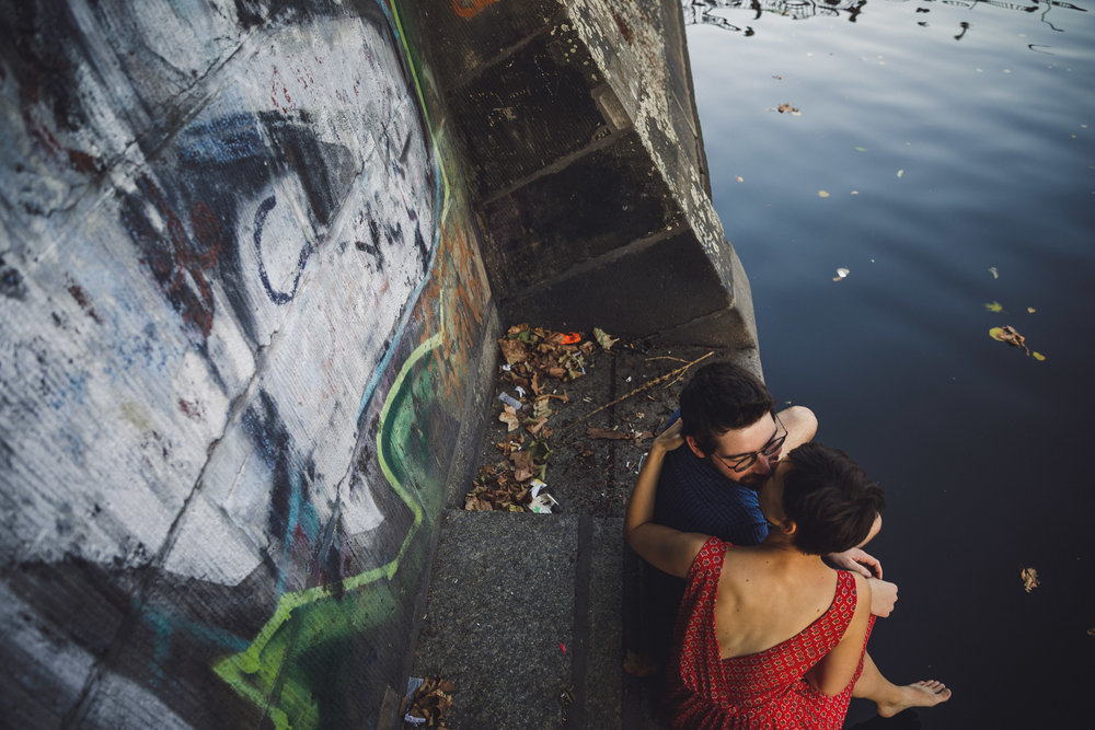 berlin engagement shoot, berlin couple photoshoot, berlin canal photoshoot, turkish market berlin