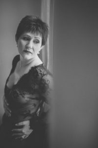 boudoir-cancer-survivor-43-of-63bw-small