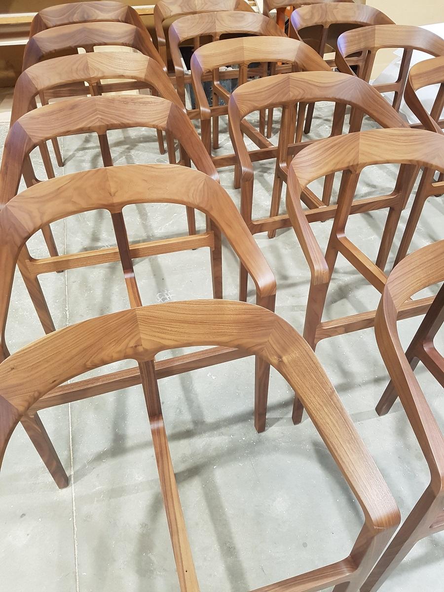 bow_chairs.jpg
