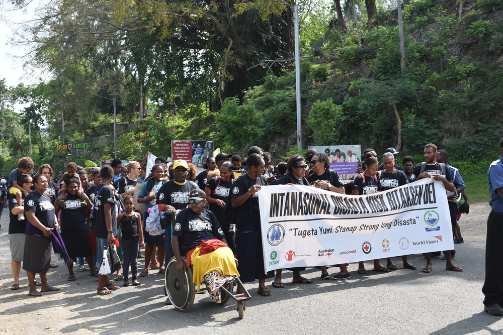 Above: Disaster READY Vanuatu organised a parade to mark International Disaster Risk Reduction Day 2018. Photo credit: Care Vanuatu.