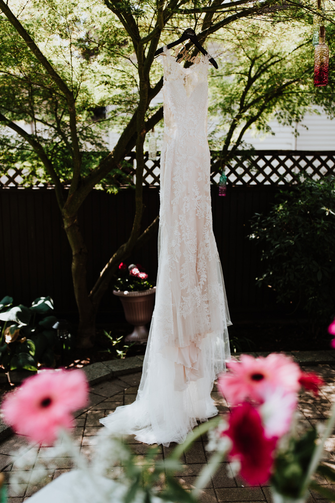 wedding dress photography.jpg