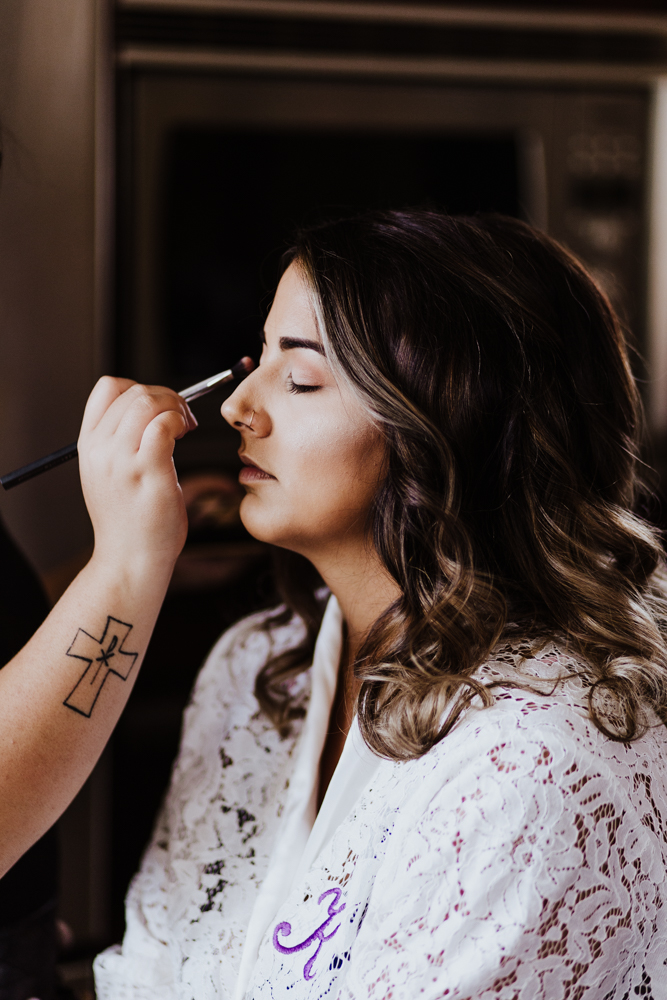 getting ready bride photography vancouver.jpg