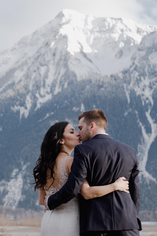 wedding photography winter.jpg