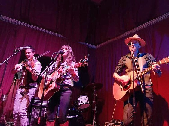 Thank you to everyone who came out to @firesidealameda last night to party with us! Thanks to @sunfellowmusic and @boxofmatchesband for inviting us to play on their home turf. Great to see familiar faces and make new friends! See you at the next @folk.revival! 💃🏻🕺🏼 📷: @sunfellowmusic