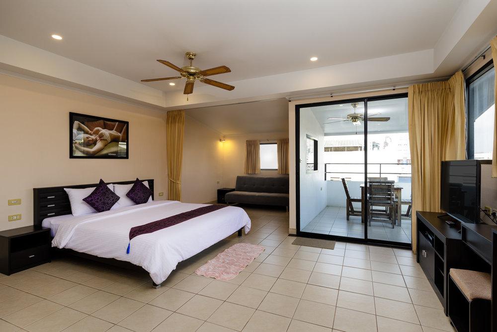 the-classroom-hotel-pattaya-11.jpg