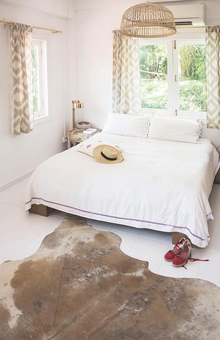 Rustic Tropical Airy Bedroom Design