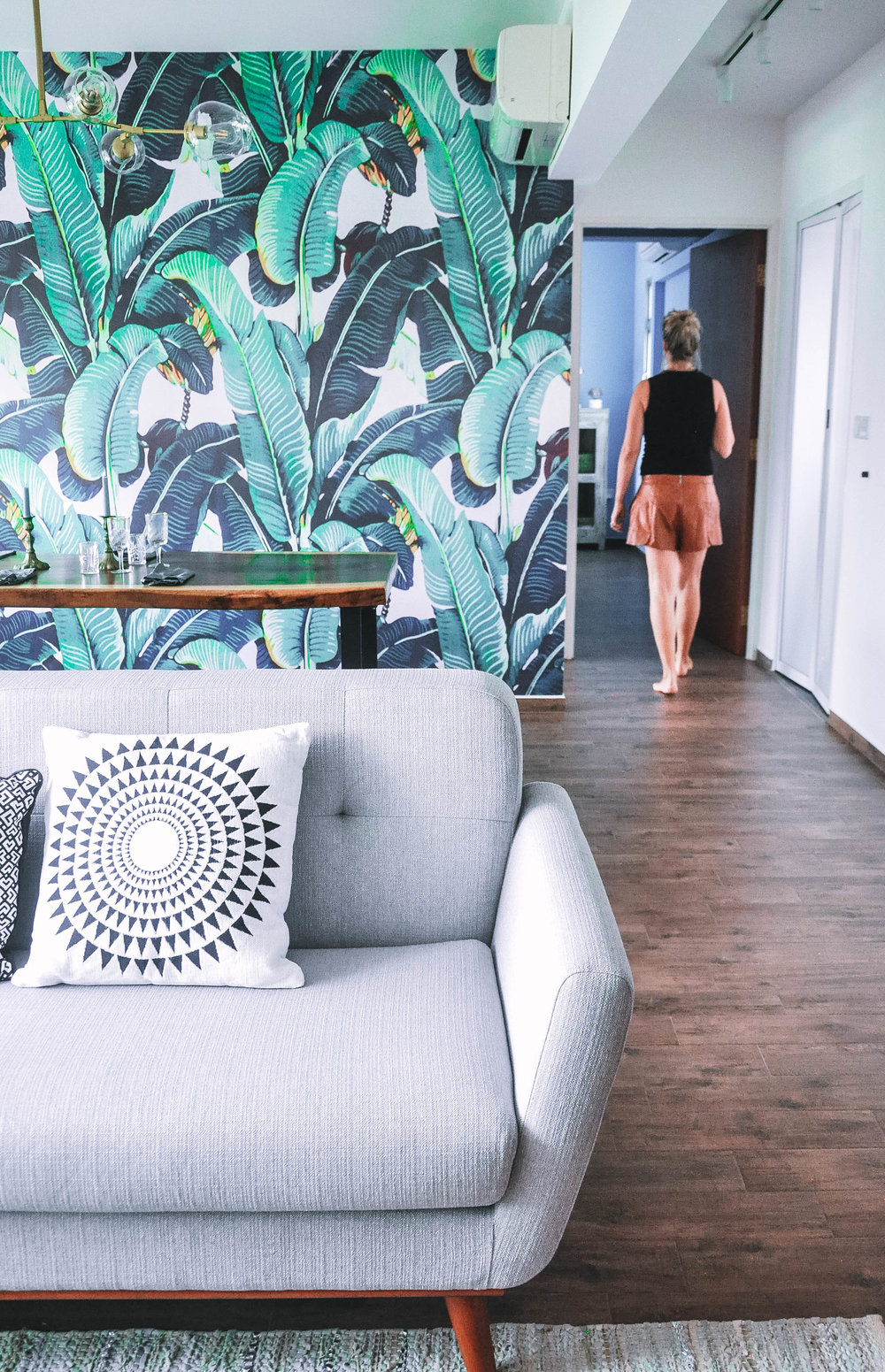 Cool Stylish Bold Living Room Botanical Wallpaper