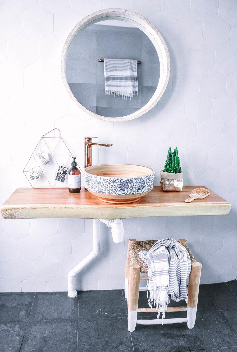Cool Playful Round Mirror Bathroom Sink