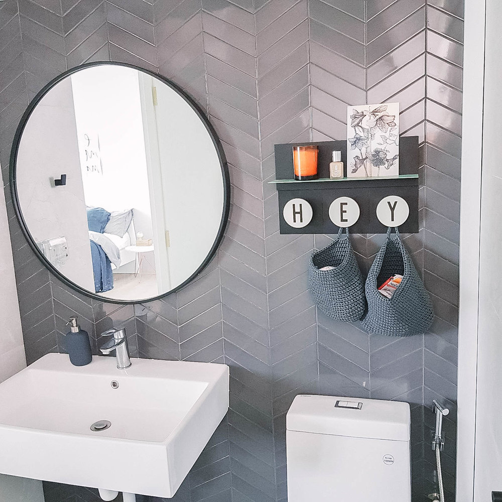 Grey Diagonal Tiles Round Mirror Bathroom