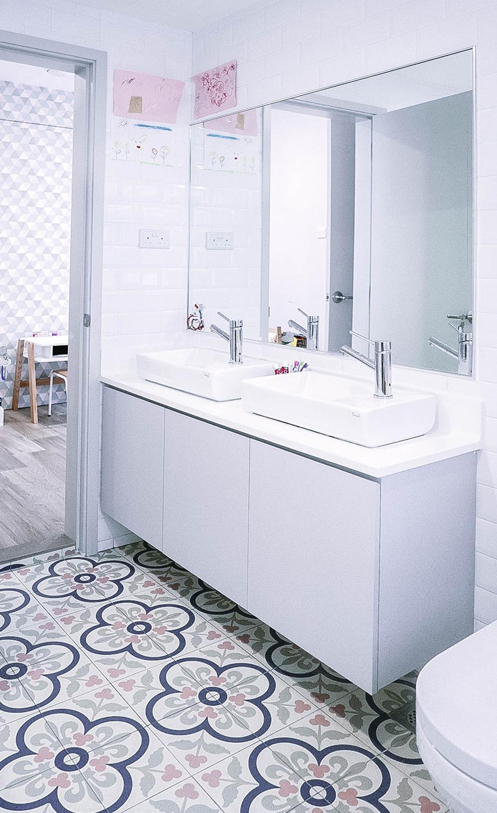 Bright Cool Urban Bathroom Floor Tiles Design
