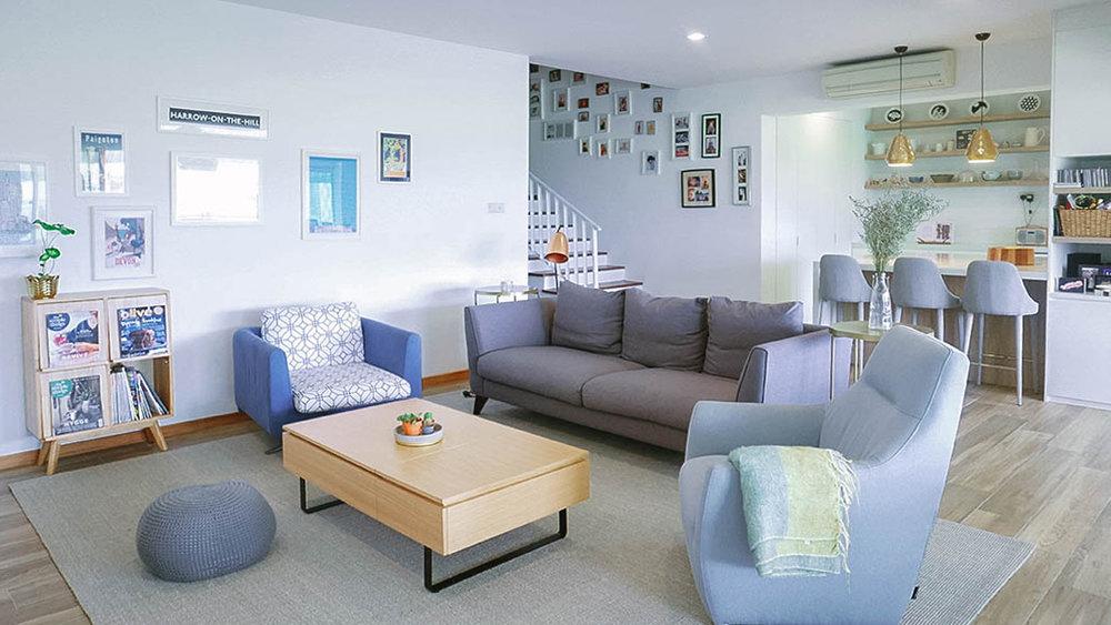 Classic Family Living Room Interior Design