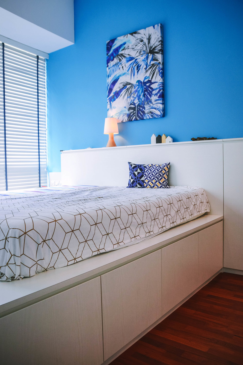 Blue Feature Wall Bedroom Storage Bed