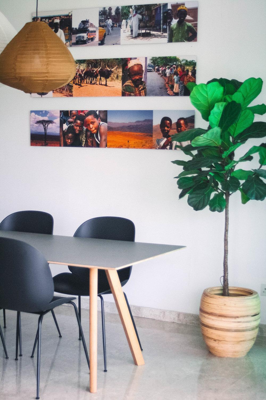 Modern Minimalist Fusion Dining Room