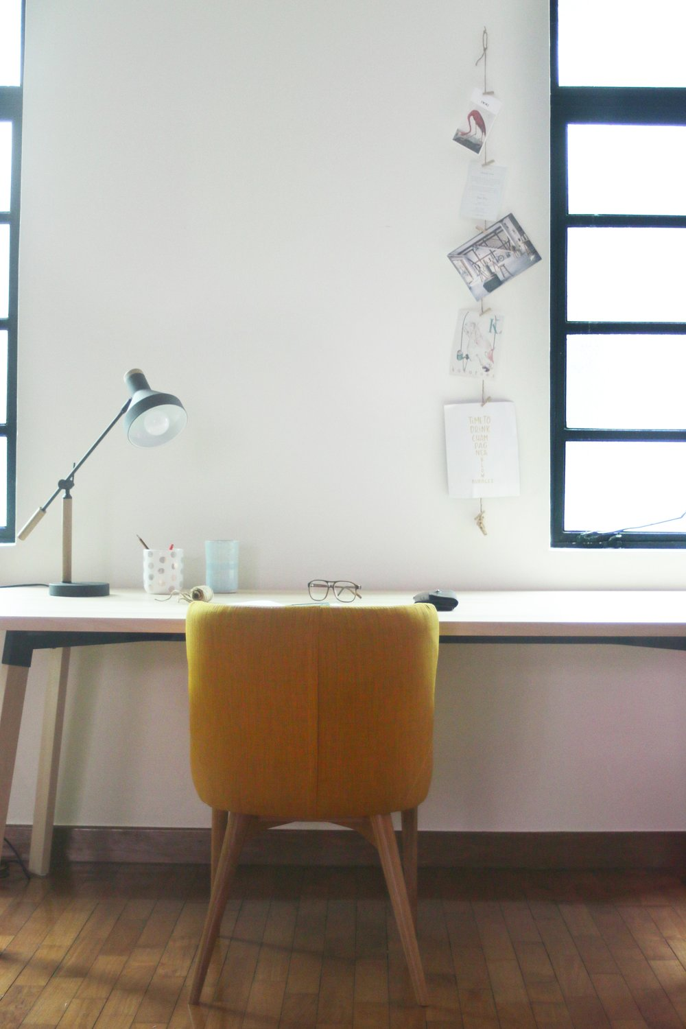 Bright Minimal Home Office Inspiration