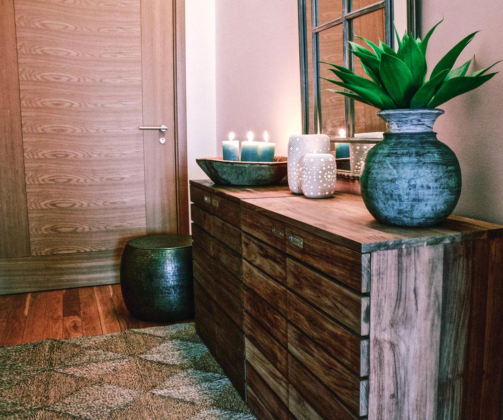 Natural Wooden Dresser Hallway Entrance