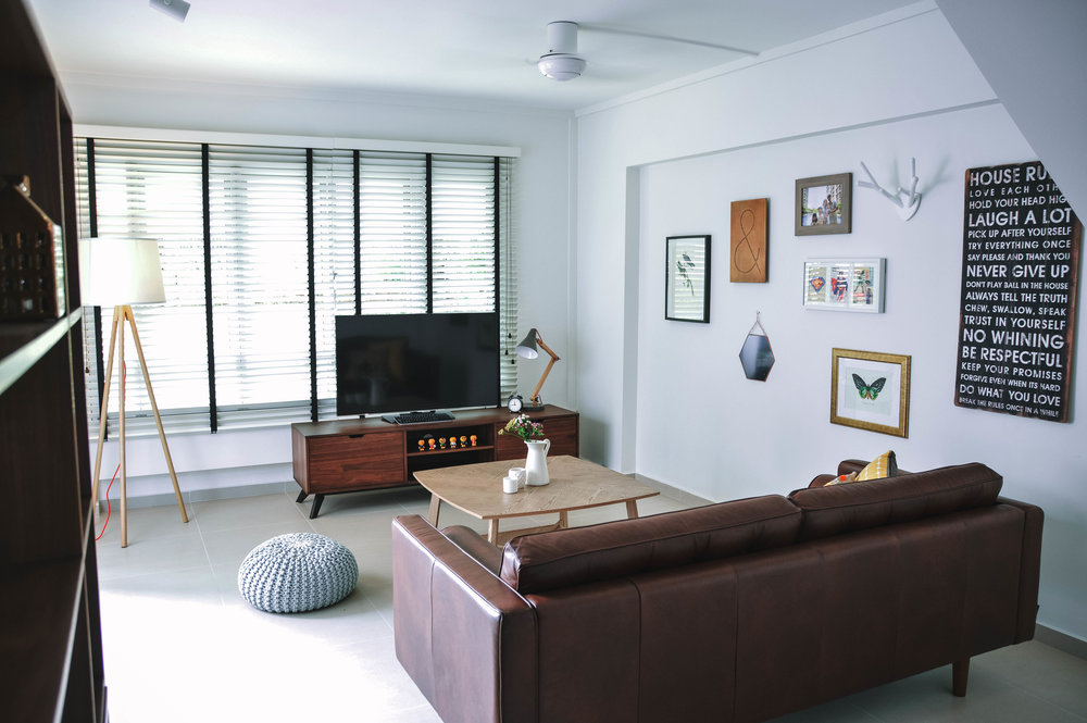 Cosy Airy Living Room Leather Couch