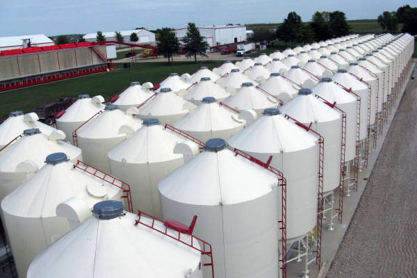 equipment---bulk-storage-tanks.jpg