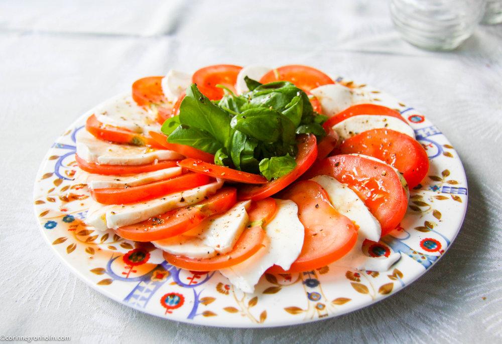 tomatmozzarellasallad.jpg