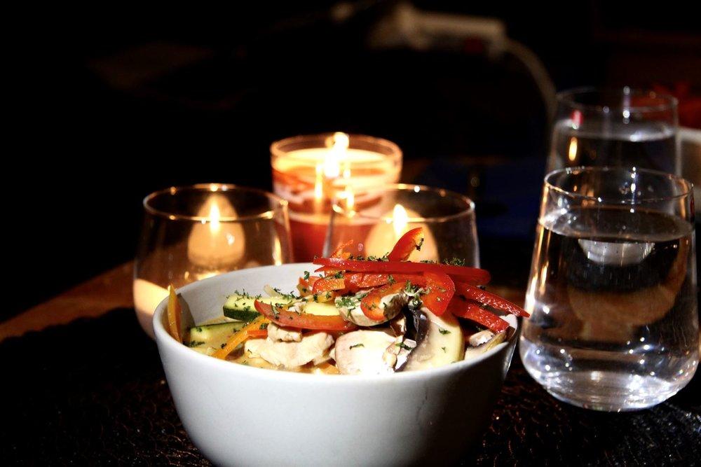 Asiatisk kycklinggryta med grönsaker -