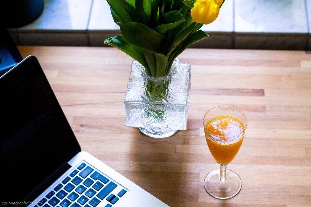 Apelsinjuice & dator.jpg