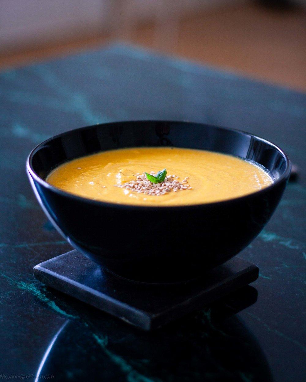 Vegansk krämig linssoppa med morot