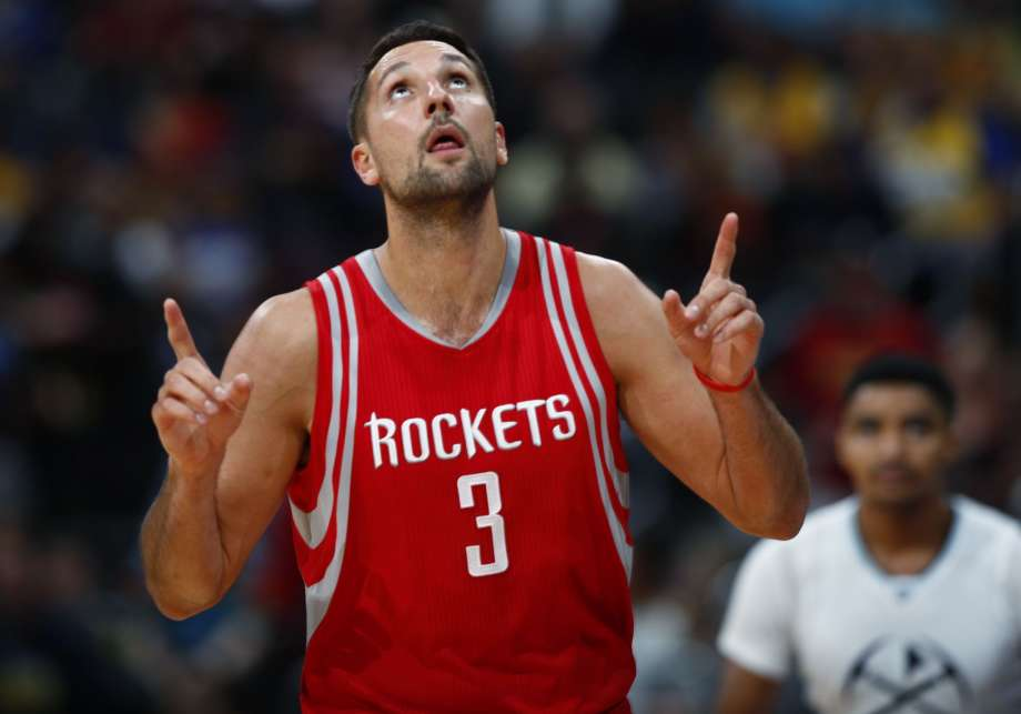 Co-Founder Ryan Anderson (Houston Rockets) giving Glory to God