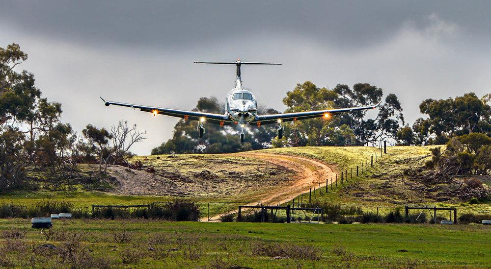 pc12-landing-fly-in-safari.jpeg