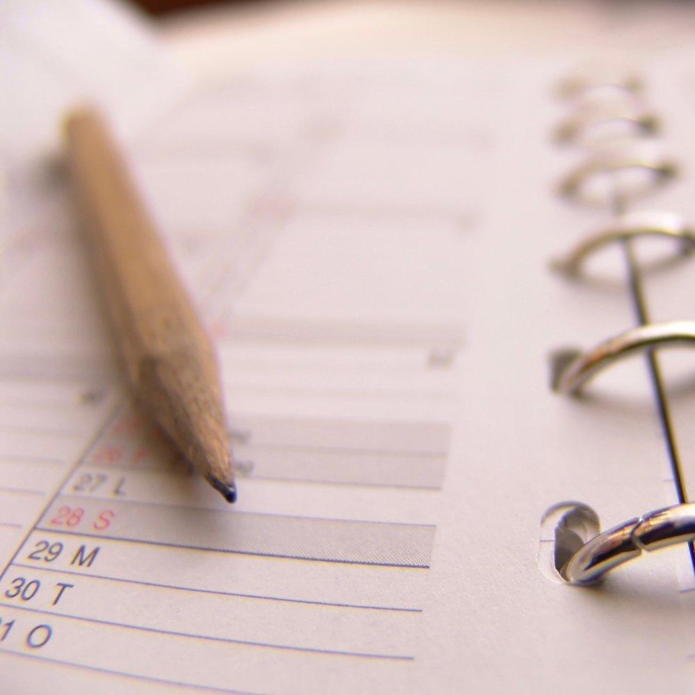 Haben Sie Fragen zur Bandscheiben-Operation? - Sprechstunden-Termine: Montag bis Freitag von 8.00 – 12.00 Uhr und von 13.30 – 17.00 Uhr