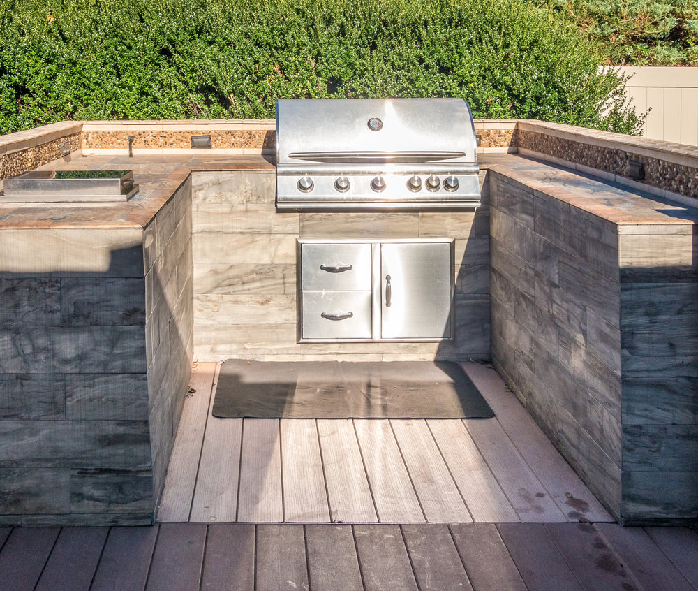 OUTDOOR KITCHEN.jpg