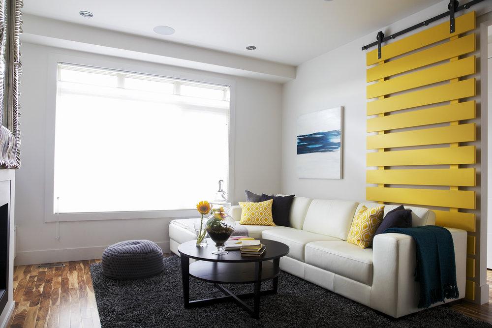 SCID_innercity_livingroom1.jpg