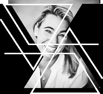 Nicole Szopinski - Als Mensch, als Frau und als Unternehmerin.Die erfolgreiche Hypnotiseurin und Salestrainerin liebt es unterschiedlichste Kategorien zu kombinieren und damit aus einem best off, Neues zu erschaffen.Gerade die direkte Arbeit mit dem Unterbewusstsein durch Hypnose vereinfacht den Weg zum persönlichen Glück und Erfolg und ermöglicht Freiheit auf allen Ebenen.Durch ihre 15jährige Erfahrung als Spezialistin für pferdegestütztes Training, versteht sie es, auf sympathisch konsequente Art, Menschen in ihrer Flexibilität zu schulen und sie aus ihrer Komfortzone zu begleiten.Veränderung darf Spaß machen!