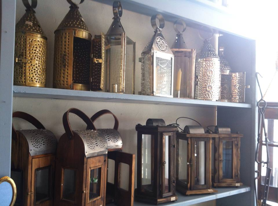 """Tin lanterns in """"Jas. Townsend & Son"""" which were used in """"Pirates of the Caribbean"""""""