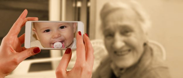 abuela niña 2.jpg