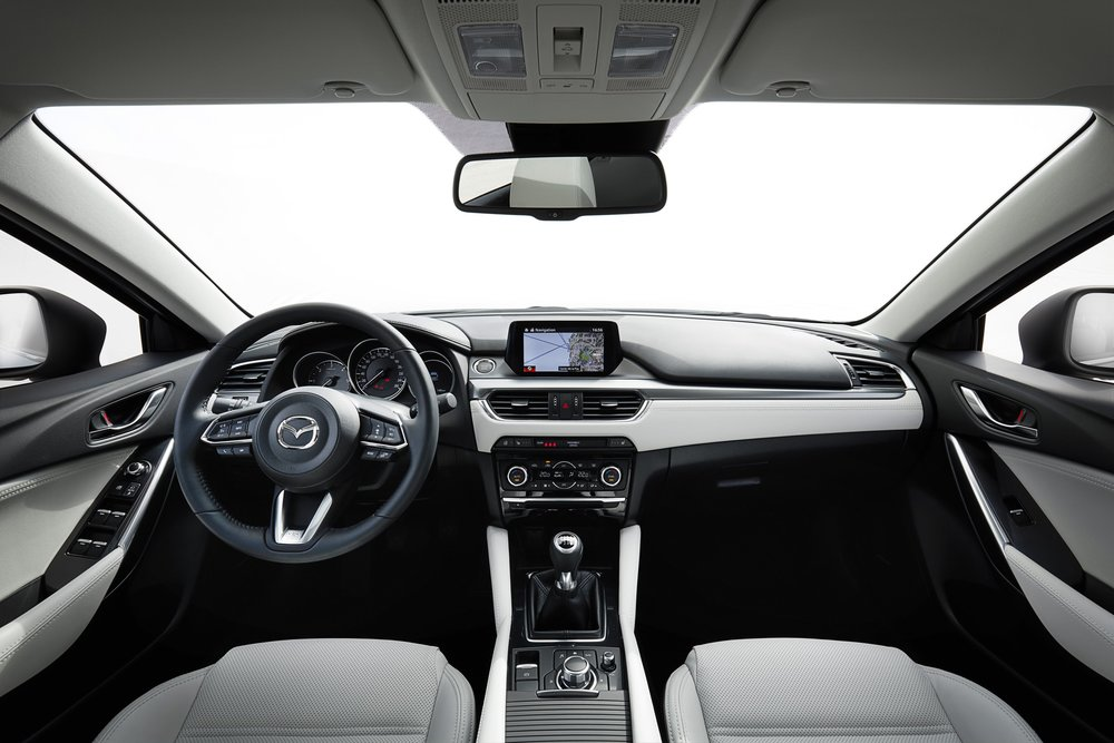 2017-Mazda6_Interior_10.jpg