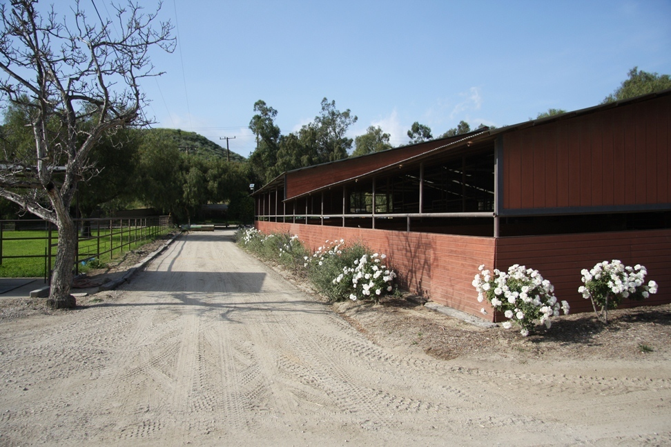 Oak Barn exterior