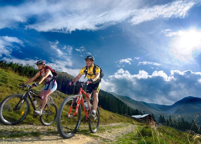 luxury new zealand cycling tours